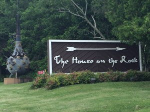 TheHouseOnTheRockSign